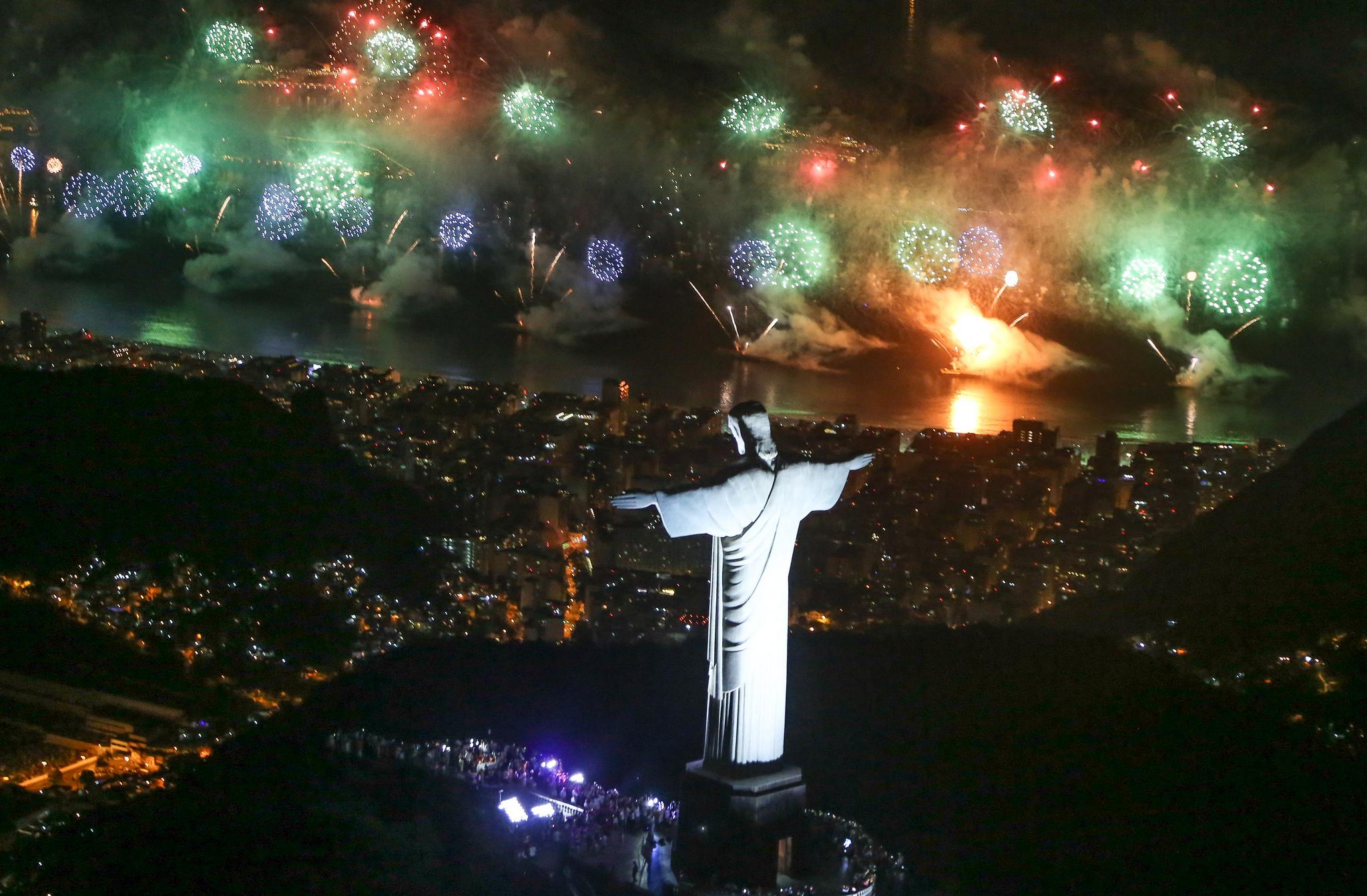 Rio-New-Years-Eve-Copacabana