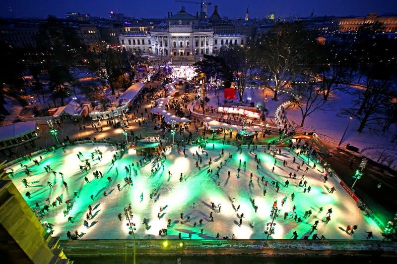 ice-skating-vienna