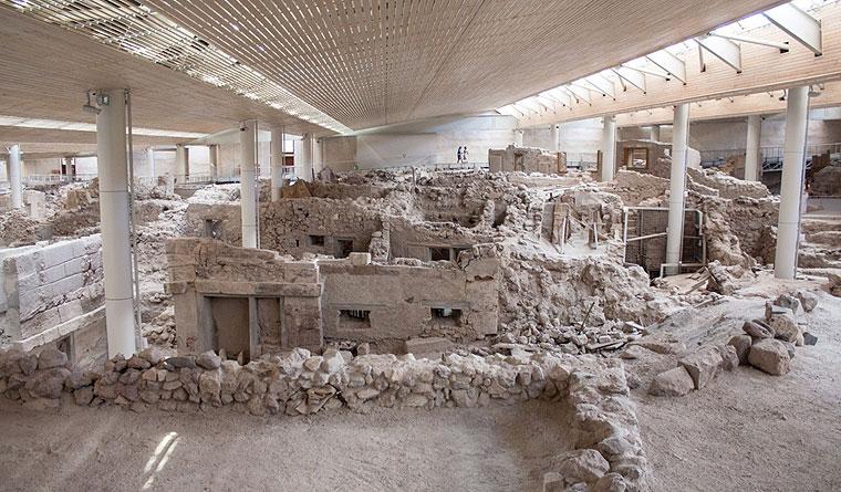 Αρχαία στο Ακρωτήρι Σαντορίνης